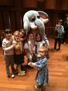 lelephant-rose-avec-les-petits